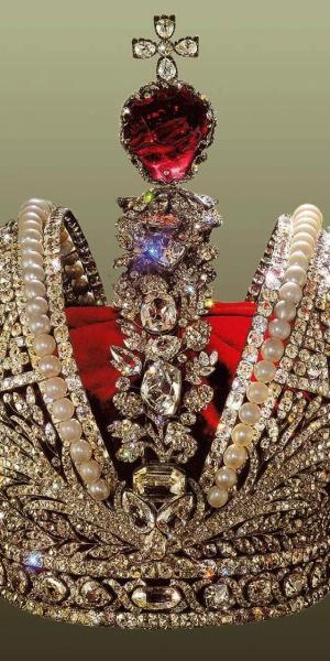 The Crown of Tsar Nicholas II, 1762 (mixed media)