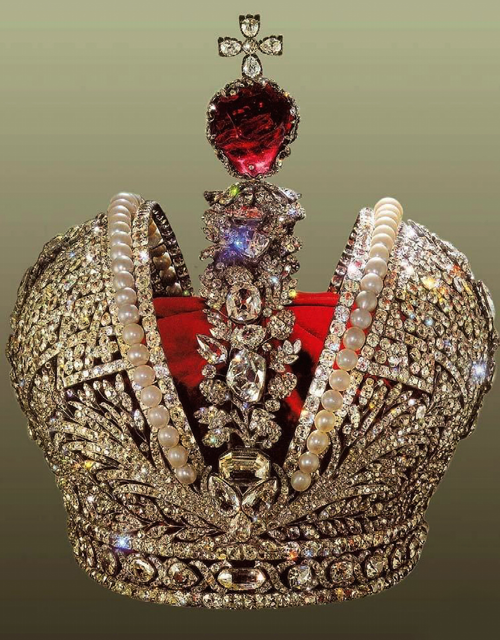 The Crown of Tsar Nicholas II, 1762 (mixed media)