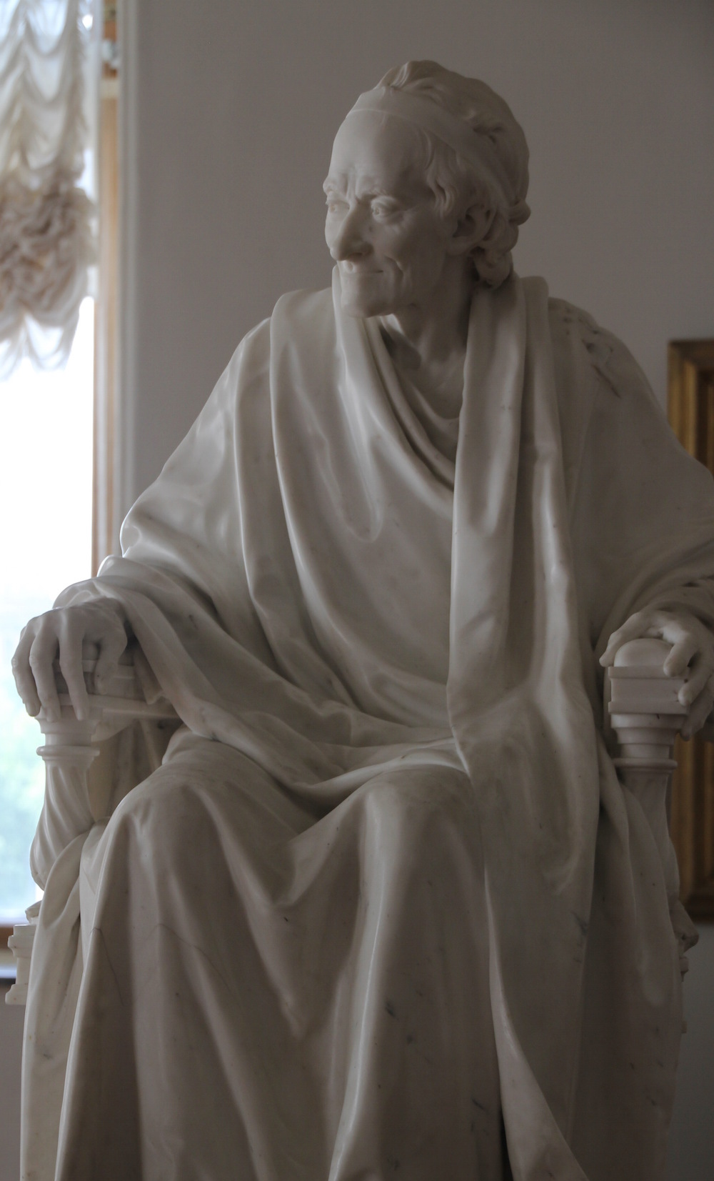 S04_Seated Voltaire. Jean-Antoine Houdon, photo by Ruth Cousineau